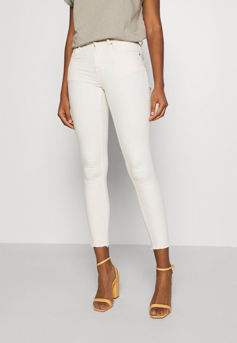 ONLY - ONLBLUSH RAW DOT - Jeans Skinny - ecru