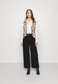 Fabienne Chapot - GILLIAN GILET - Waistcoat - beige/black/brown - 4