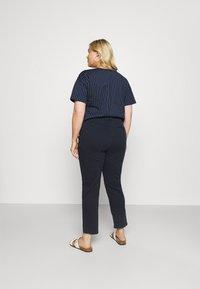 Lauren Ralph Lauren Woman - GABBY PANT - Jeans a sigaretta - navy - 2