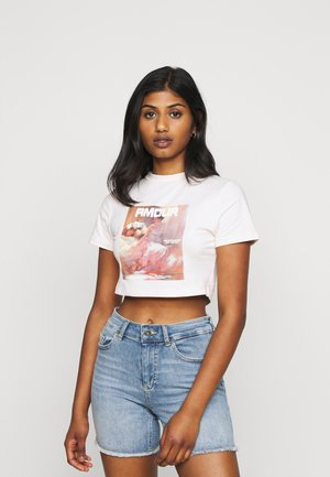 AMOUR GRAPHIC FITTED CROP  - Print T-shirt - pink