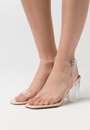 MID CLEAR HEEL BLOCK - Sandaler med høye hæler - nude