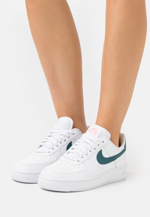 AIR FORCE 1 - Trainers - white/dark teal green/sunset pulse
