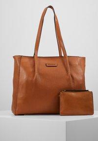 FREDsBRUDER - KYOTO - Tote bag - light camel - 5