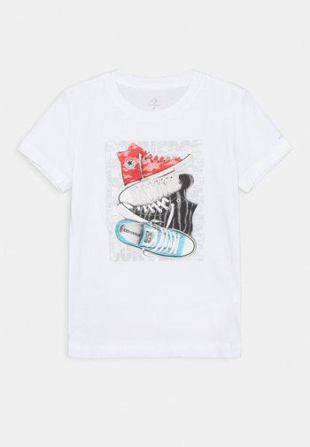 SHORT SLEEVE CHUCK TAYLOR GRAPHIC UNISEX - T-shirt imprimé - white