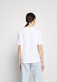 ONLY - ONLCHLOE LIFE BOXY - Print T-shirt - bright white - 2