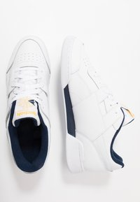 Reebok Classic - WORKOUT PLUS LEATHER UPPER SHOES - Sneaker low - white/collegiate navy/toxic yellow - 1