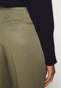 Bruuns Bazaar - TELMAH DAHLIA PANT - Trousers - olive tree - 4