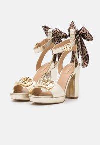 Liu Jo Jeans - HEBE - Platform sandals - light gold - 2