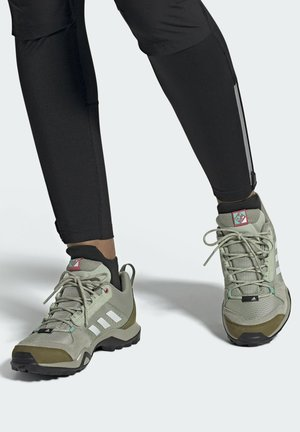 TERREX AX3 WANDERSCHUH - Hiking shoes - green