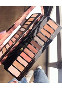 Urban Decay - NAKED RELOADED PALETTE - Eyeshadow palette - - - 10