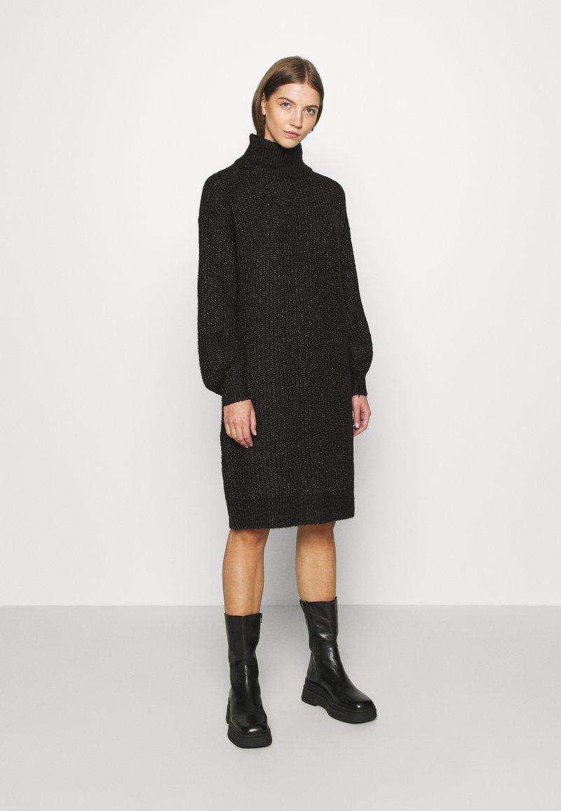 Noisy May - NMROBINA HIGH NECK DRESS - Strikket kjole - dark grey melange