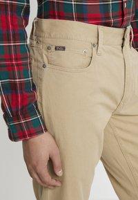 Polo Ralph Lauren - VARICK - Trousers - luxury tan - 3