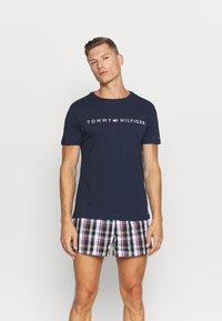 Tommy Hilfiger - TEE LOGO - Pyjamashirt - blue - 1
