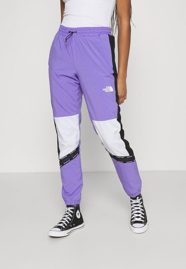 PANT - Teplákové kalhoty - pop purple