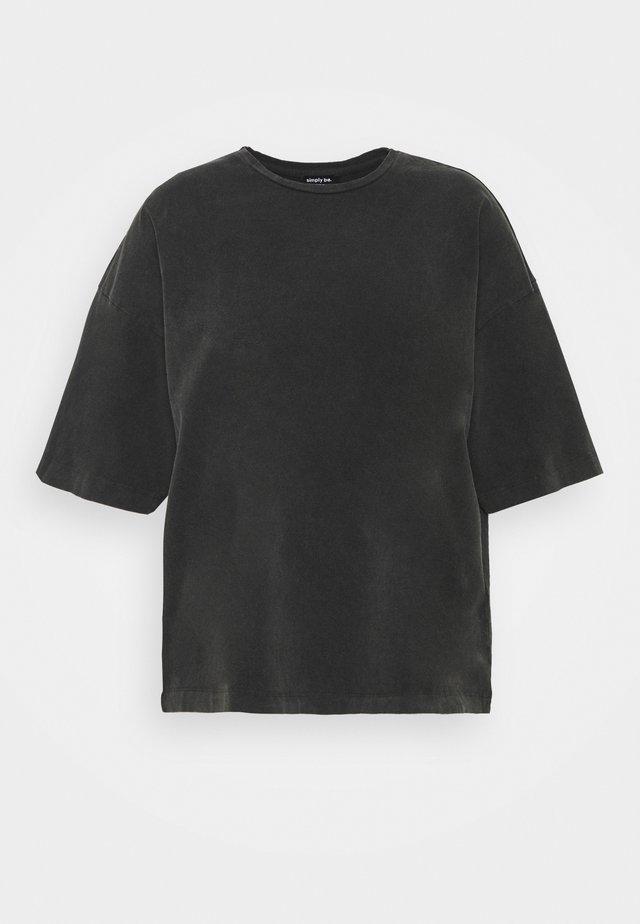 OVERSIZED TEE - Jednoduché triko - charcoal
