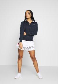 Champion - SHORTS - Shorts - white - 1