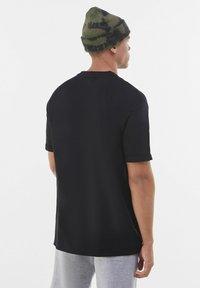 Bershka - T-shirt - bas - black - 2