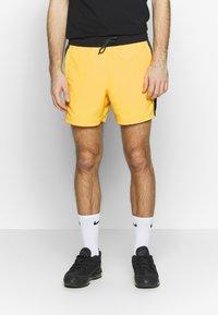 The North Face - EXTREME - Shorts - lemon combo - 0