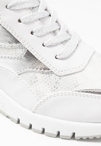 Marco Tozzi - LACE UP - Joggesko - white - 2