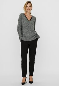 Vero Moda - VMIVA  - Jumper - medium grey melange - 1