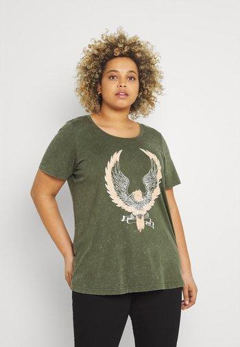 MBRIANA - Print T-shirt - ivy green