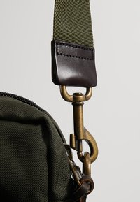 Filson - DRYDEN BRIEFCASE - Attachetasker - ottergreen - 6