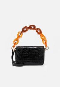 FLAP - Håndtasker - black