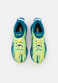 ASICS - GEL-NOOSA TRI 13 UNISEX - Competition running shoes - glow yellow - 3