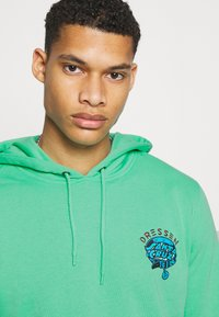 Santa Cruz - UNISEX DRESSEN PUP DOT HOOD - Sweatshirt - jade green - 3