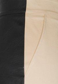 Patrizia Pepe - PANTALONI TROUSERS - Trousers - black/mastic - 2