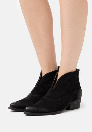 WEST - Ankle boots - marvin nero