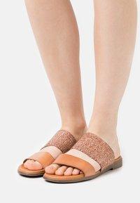 Grand Step Shoes - FIBI - Mules - sand - 0