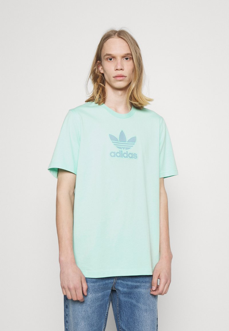 adidas Originals - TREF SERIES TEE UNISEX - Print T-shirt - clear mint