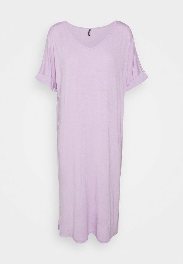 PCNEORA FOLD UP DRESS - Žerzejové šaty - orchid bloom