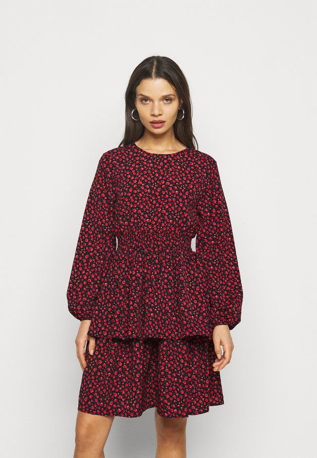 ONLTESSA  SHORT DRESS  - Vestito estivo - black/pmars red