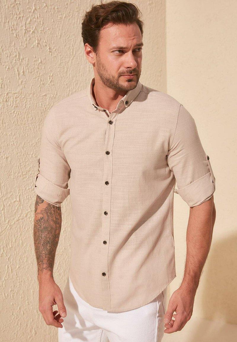 Trendyol - Skjorta - beige