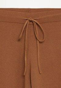 Mango - SOL - Trousers - marron moyen - 6