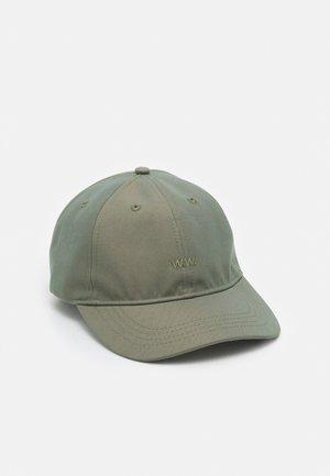 IRIDESCENT LOW PROFILE UNISEX - Cap - olive