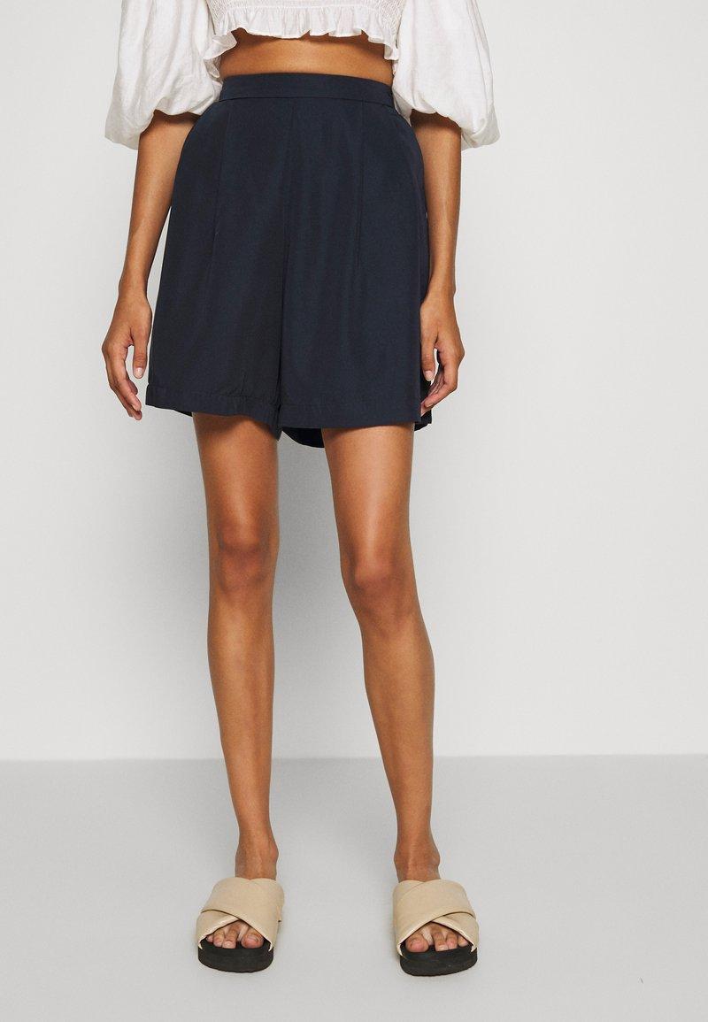 Nümph - NUKIRAN - Shorts - sapphire