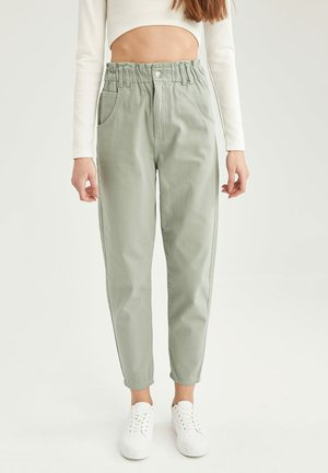 Relaxed fit jeans - green