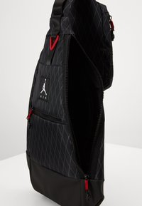 Jordan - ANTI-GRAVITY SLING BAG - Across body bag - black - 2