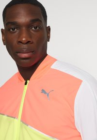 Puma - RUN LITE ULTRA JACKET - Sports jacket - white/energy peach/fizzy yellow - 3