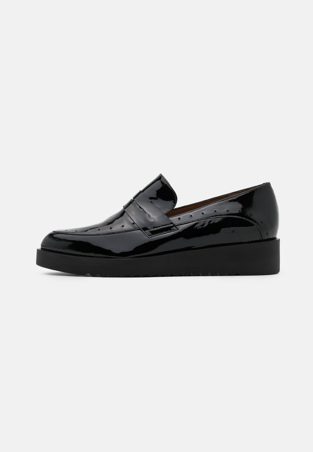 AMANDA - Loaferit/pistokkaat - charoll black