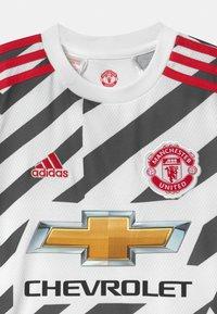 adidas Performance - MANCHESTER UNITED UNISEX - Club wear - white/black - 2
