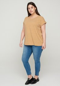 Zizzi - Basic T-shirt - orange - 1