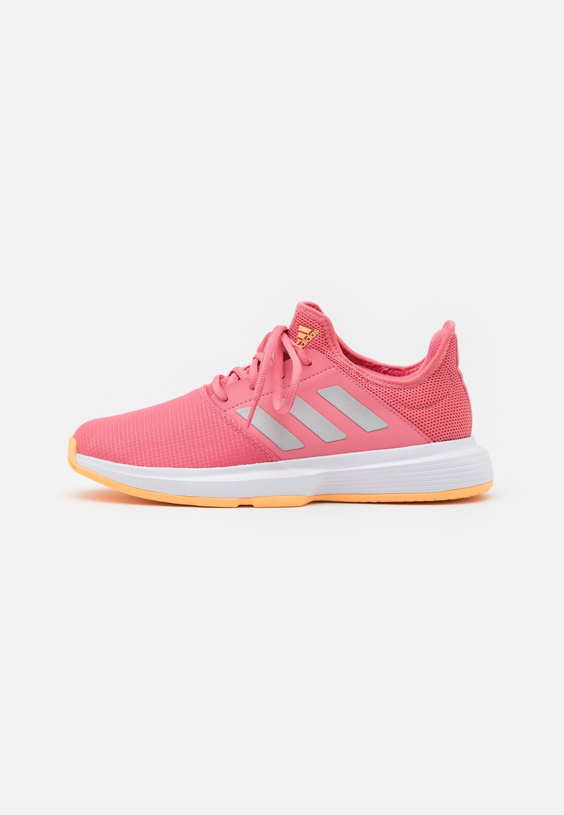 adidas Performance - GAMECOURT - Buty tenisowe uniwersalne - haze rose/silver metallic/footwear white