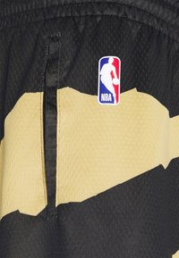 Nike Performance - NBA TORONTO RAPTORS CITY EDITION SWINGMAN SHORT - Article de supporter - black - 2