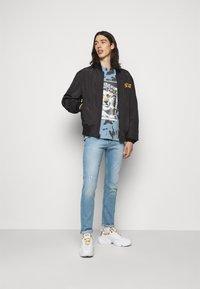 Versace Jeans Couture - TINTO - Print T-shirt - blue - 1