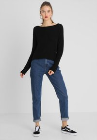 Even&Odd - BASIC- BACK DETAIL JUMPER - Neule - black - 1