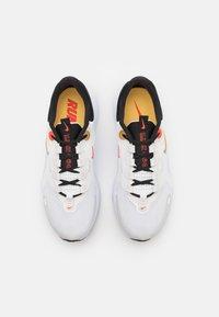 Nike Performance - REACT ESCAPE RN - Hardloopschoenen neutraal - summit white/metallic gold coin - 3